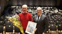 """Bygdas egen dugnadsgeneral Olaus Dalsplass ble tildelt tittelen """"årets ildsjel"""""""